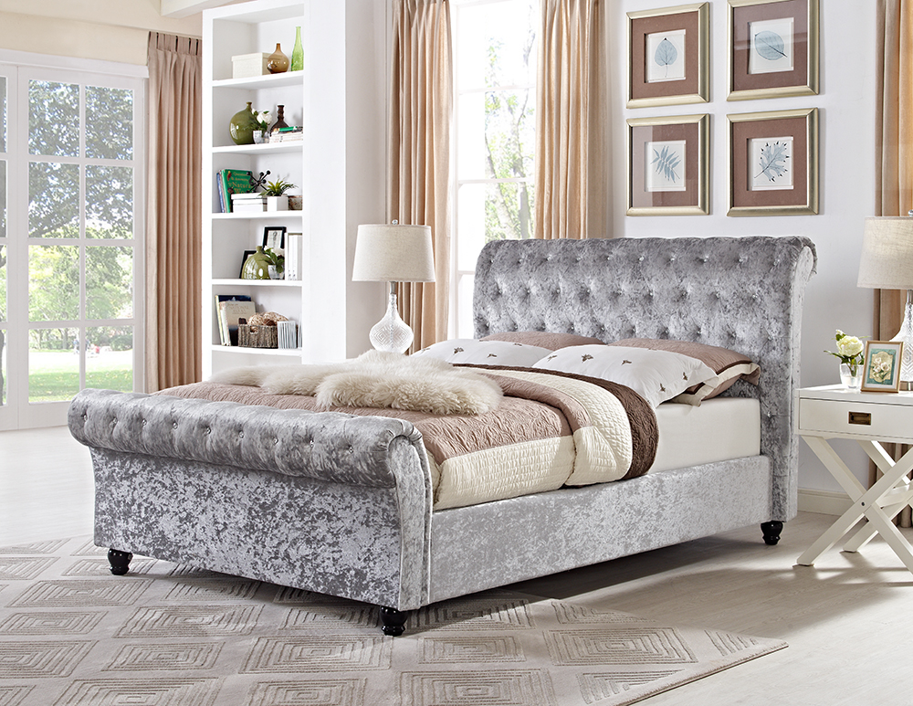 Chesterfield 5 39 x 6 39 6 king sleigh designer bed in silver ice crushed velvet ebay Bedroom furniture chesterfield