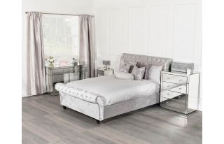Monroe Silver Mirrored Dressing Table Set with 2 x 1 Drawer Bedside Tables and 4 Drawer Chest